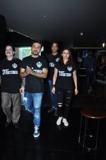 Soha Ali Khan, Vir Das at 31st october trailer launch in Mumbai on 31st Aug 2016 (23)_57c7f0c2e3f4e.JPG