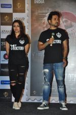 Soha Ali Khan, Vir Das at 31st october trailer launch in Mumbai on 31st Aug 2016 (29)_57c7f0c8c6cd8.JPG