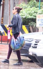 Bipasha Basu snapped at gym on 2nd Sept 2016 (13)_57c9a22baac1f.JPG