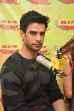 Gaurav Arora with Raaz team at Radio Mirchi on 31st Aug 2016 (18)_57c91dab51f09.JPG
