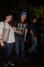 Kareena Kapoor, Saif Ali Khan snapped on 1st Sept 2016 (35)_57c997a008af0.JPG