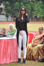 Pooja Hegde snapped at a school sports day on 2nd Sept 2016 (9)_57c9b29d7e0b8.JPG