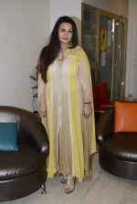 Poonam Dhillon launches her own collection in Mumbai on 1st Sept 2016 (11)_57c9951d601c4.JPG
