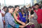 Raashi Khanna Inagurated R.S Brothers at Kothapet on 2nd Sept 2016 (357)_57c9a232996b7.JPG