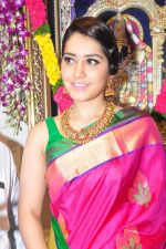 Raashi Khanna Inagurated R.S Brothers at Kothapet on 2nd Sept 2016 (386)_57c9a2a0ef014.JPG