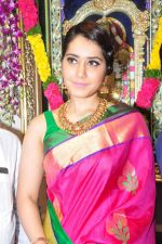 Raashi Khanna Inagurated R.S Brothers at Kothapet on 2nd Sept 2016 (395)_57c9a2cd79995.JPG
