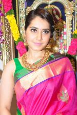 Raashi Khanna Inagurated R.S Brothers at Kothapet on 2nd Sept 2016 (403)_57c9a2e35fad3.JPG