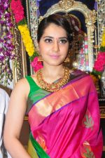Raashi Khanna Inagurated R.S Brothers at Kothapet on 2nd Sept 2016 (418)_57c9a32e2a2b9.JPG