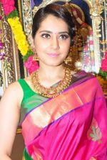 Raashi Khanna Inagurated R.S Brothers at Kothapet on 2nd Sept 2016 (419)_57c9a331c7245.JPG