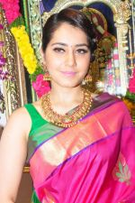 Raashi Khanna Inagurated R.S Brothers at Kothapet on 2nd Sept 2016 (420)_57c9a339b3430.JPG