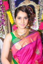 Raashi Khanna Inagurated R.S Brothers at Kothapet on 2nd Sept 2016 (421)_57c9a33e873c0.JPG