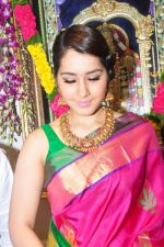 Raashi Khanna Inagurated R.S Brothers at Kothapet on 2nd Sept 2016 (422)_57c9a3432e6ab.JPG