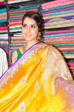 Raashi Khanna Inagurated R.S Brothers at Kothapet on 2nd Sept 2016 (531)_57c9a508e4ab1.JPG