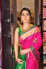 Raashi Khanna Inagurated R.S Brothers at Kothapet on 2nd Sept 2016 (566)_57c9a56032257.JPG