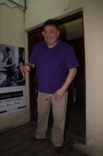 Rishi Kapoor mobbed by fans at juhu pvr on 1st Sept 2016 (7)_57c929567a0f6.JPG
