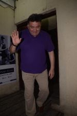 Rishi Kapoor mobbed by fans at juhu pvr on 1st Sept 2016 (8)_57c929673d700.JPG