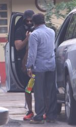 Shahid Kapoor snapped at gym on 2nd Sept 2016 (19)_57c9a23989bcb.JPG