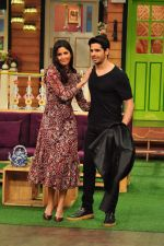 Sidharth Malhotra, Katrina Kaif on the sets of The Kapil Sharma Show on 1st Sept 2016 (175)_57c97329a6ae4.JPG