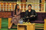 Sidharth Malhotra, Katrina Kaif on the sets of The Kapil Sharma Show on 1st Sept 2016 (213)_57c97363cf4da.JPG