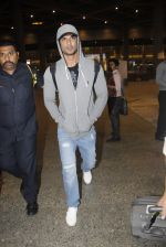 Sushant Singh Rajput snapped at airport on 1st Sept 2016 (35)_57c96e38d9e20.JPG
