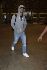 Sushant Singh Rajput snapped at airport on 1st Sept 2016 (37)_57c96e47f295b.JPG