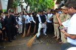 Amitabh Bachchan at NDTV swatch bharat abhiyan in Mumbai on 3rd Sept 2016 (46)_57cad9f9d4dc2.JPG