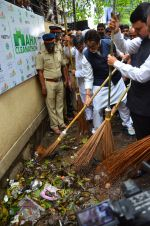 Amitabh Bachchan at NDTV swatch bharat abhiyan in Mumbai on 3rd Sept 2016 (62)_57cada330f293.JPG