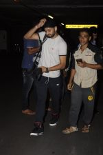 Harbhajan Singh snapped at airport on 2nd Sept 2016 (1)_57ca78cdc1448.JPG