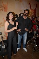 Prachi Desai, Arjun Rampal at Rock On 2 trailer launch on 2nd Sept 2016 (72)_57cac1550bc84.JPG