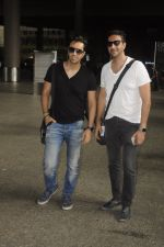 Salim Merchant, Sulaiman Merchant snapped at airport on 2nd Sept 2016 (4)_57ca790c08c11.JPG
