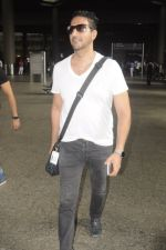 Sulaiman Merchant snapped at airport on 2nd Sept 2016 (4)_57ca790da2b33.JPG