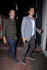 Dino Morea snapped at Baba Dewan_s bash on 3rd Sept 2016 (10)_57cc5b2f3732a.JPG