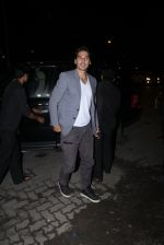 Dino Morea snapped at Baba Dewan_s bash on 3rd Sept 2016 (11)_57cc5b316061e.JPG