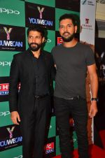 Farhan Akhtar, Yuvraj Singh at You We Can Label launch with Shantanu Nikhil collection on 3rd Sept 2016 (197)_57cc6001decb3.JPG