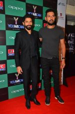 Farhan Akhtar, Yuvraj Singh at You We Can Label launch with Shantanu Nikhil collection on 3rd Sept 2016 (202)_57cc600cb9292.JPG