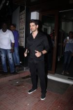 Sooraj Pancholi snapped at Baba Dewan_s bash on 3rd Sept 2016 (36)_57cc5b8e07a33.JPG