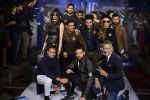 Yuvraj Singh at You We Can Label launch with Shantanu Nikhil collection on 3rd Sept 2016 (9)_57cc5892ddf5b.JPG