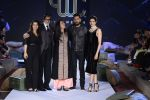 Yuvraj Singh, Amitabh Bachchan, Kajol, Deepika Padukone, Farah Khan at You We Can Label launch with Shantanu Nikhil collection on 3rd Sept 2016 (2)_57cc58a39327c.JPG