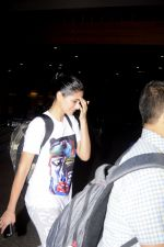 Nargis Fakhri snapped at airport on 4th Sept 2016 (24)_57cd618159439.JPG
