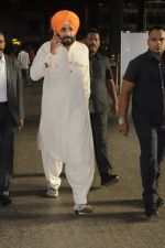 Navjot Singh Sidhu snapped at airport on 4th Sept 2016 (18)_57cd627f76797.JPG