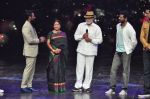 Prabhu Deva with his father on the sets of Star Plus_s Dance Plus on 4th Sept 2016 (28)_57cd6367568f4.JPG