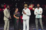 Prabhu Deva with his father on the sets of Star Plus_s Dance Plus on 4th Sept 2016 (3)_57cd635b4096d.JPG