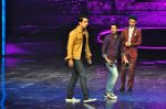 Sonu Sood on the sets of Star Plus_s Dance Plus on 4th Sept 2016 (18)_57cd63ba100b1.JPG
