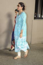Tabu snapped at airport on 4th Sept 2016 (14)_57cd628f77c86.JPG