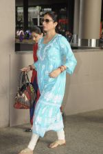 Tabu snapped at airport on 4th Sept 2016 (12)_57cd628d399a1.JPG