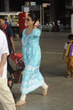 Tabu snapped at airport on 4th Sept 2016 (9)_57cd628a4f94f.JPG