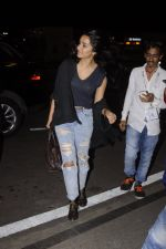 Shraddha Kapoor snapped at airport on 5th Sept 2016 (29)_57ce6a611bed7.JPG