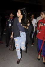 Shraddha Kapoor snapped at airport on 5th Sept 2016 (30)_57ce6a62f1952.JPG