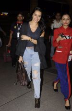 Shraddha Kapoor snapped at airport on 5th Sept 2016 (31)_57ce6a64c161d.JPG