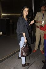 Shraddha Kapoor snapped at airport on 5th Sept 2016 (33)_57ce6a6898a88.JPG